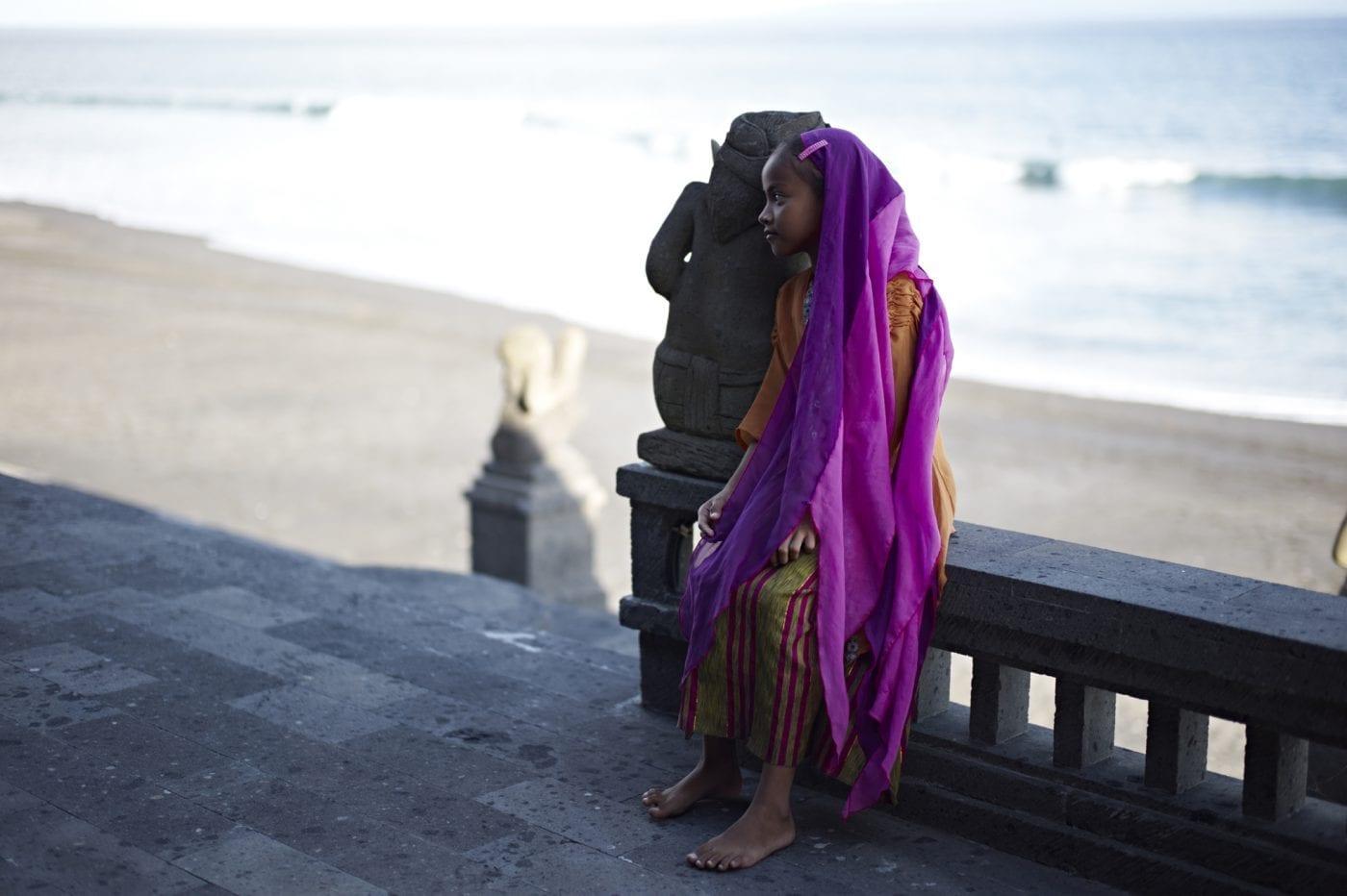2013 in Bali – Maedchen am Strand
