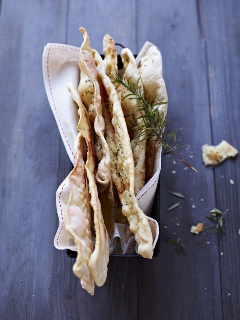 Brot geniessen Papadams mit Rosmarin